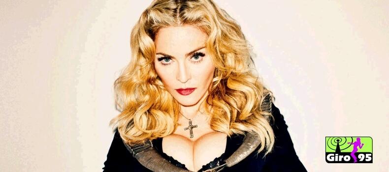 Madonna se atrasa em show e diz: 'o problema é de quem chega cedo'