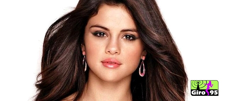 Selena Gomez recebe cantada curiosa de menino de 12 anos; veja