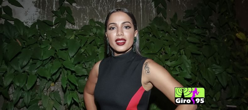 "Anitta quebra o silêncio e revela o motivo de abandonar o nome ""MC Larissa"""