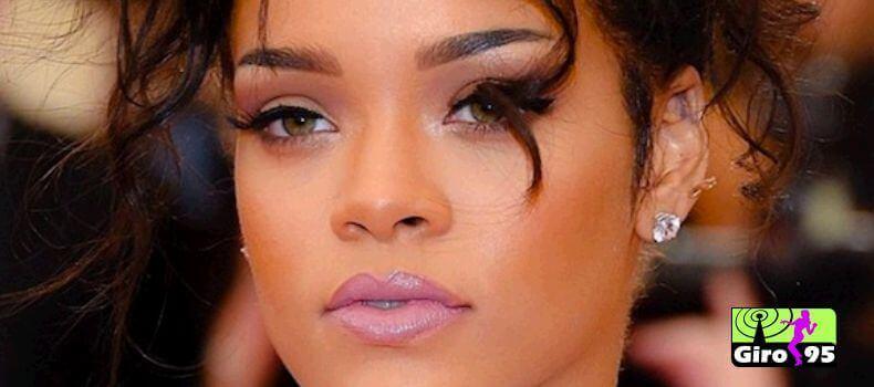 Rihanna manda pizza para fãs que esperavam em fila de show