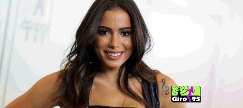 Anitta vence prêmio no EMA como Melhor Artista Brasileira