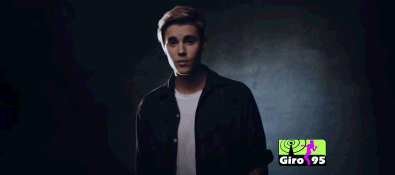 Brasileiro invade palco de Justin Bieber e é derrubado por seguranças