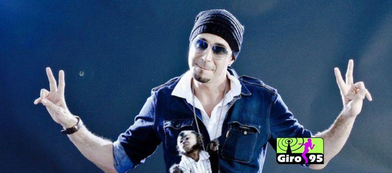 Juíza decreta prisão de cantor Latino