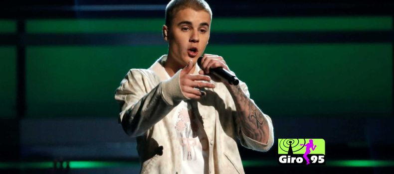 Justin Bieber defende mulher e bate em homem que tentava enforcá-la