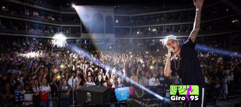 Mc Kevinho faz turnê na Europa e lota primeiro show