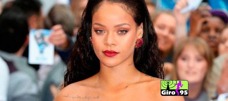 Homem é acusado de invadir casa de Rihanna