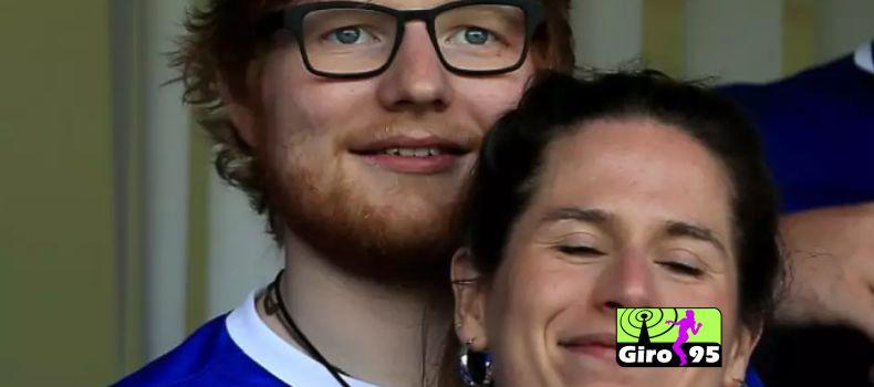 Ed Sheeran se casa secretamente com amiga de infância