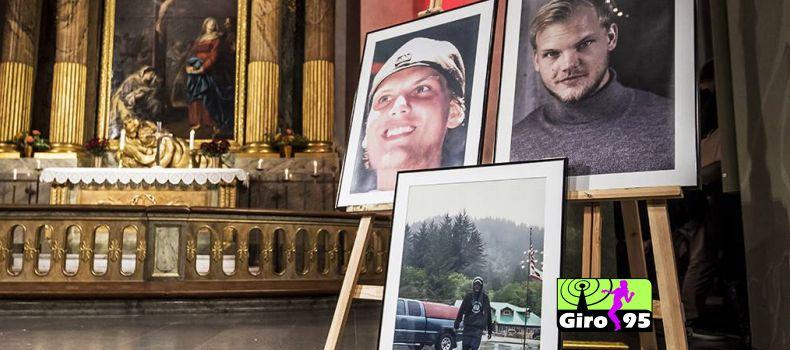 Família e fãs juntam-se em memorial para Avicii na Suécia