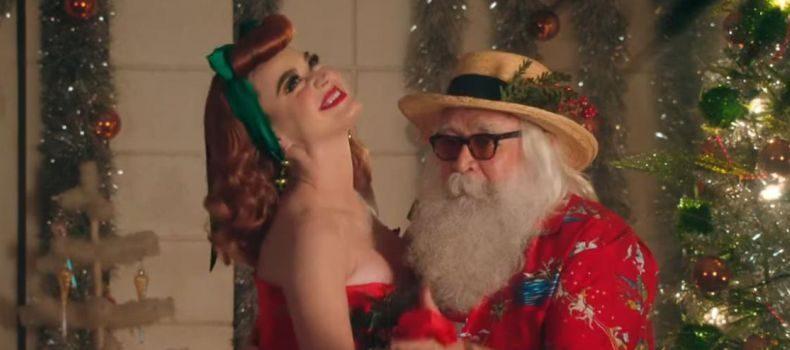 Veja; Katy Perry e seu melhor amigo o Papai Noel