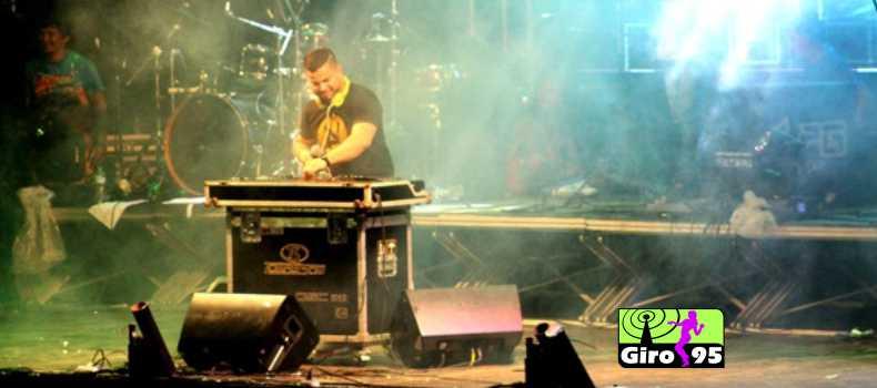 Publico aprovou DJ Adriano Nanini que agitou o carnaval de Óbidos-PA