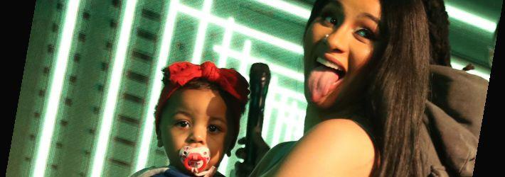 """Cardi B não deixa sua filha ouvir """"WAP"""": """"Eu faço música para adultos"""""""